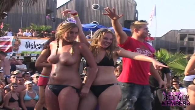 Naked girls at events College Girls Get Naked In Front Of Huge Crowd Pornhub Com