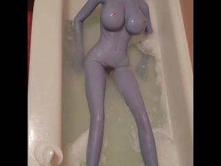 Bath time for sexdoll (behind the scenes)