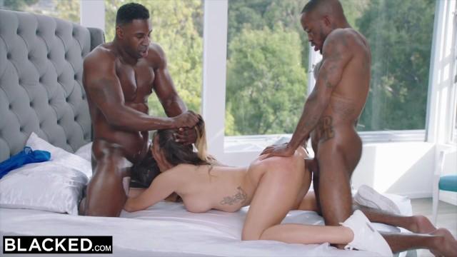 Größte Beute im Porno von Mia Malkova in rauem DP 3way