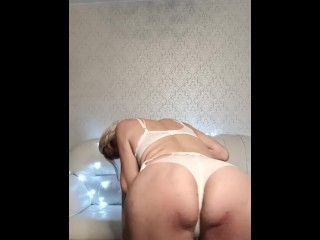 NAUGHTY GIRL PLAY WITH DILDO and SHOW HER BIG ASS