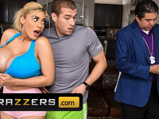 Brazzers - Busty Blonde Amber Alena Seduces Her Training Instructor
