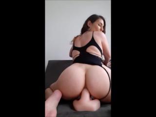 Só anal - bolinhas tailandesas, consolo, plug e sentando no dildo com o cu