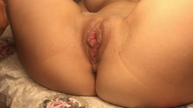 Hot girlfriend gets pussy licked, wet orgasm - YourBadBunnY