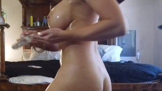 Sexy Oiled down and ready to fuck