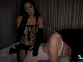 2 Korean Milfs Strap On Leather Gloves Preview