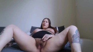Giving myself an orgasm with a glass dildo (hairy pussy!)