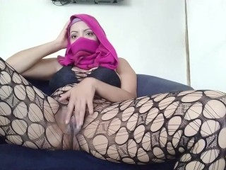 Real Hot Muslim Arab Wife In Niqab Masturbate While Husband Praying In The Back .. Shh Silent Orgasm