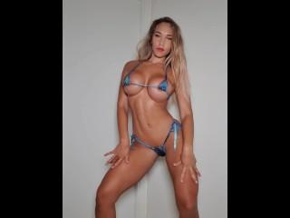 Puta rica culona tetuda bailando con bikini