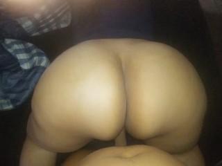 Jiggly Milf Latina Booty