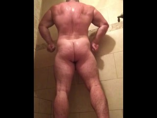 Sexy Alpha Musclebear Flexing in Shower. Hot Hung Muscleworship. Beefy Stud Muscle Bull OnlyfansBeef