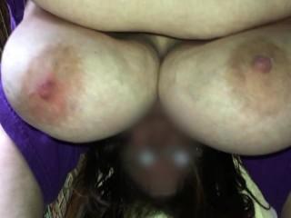 Mussus shaking boobs again