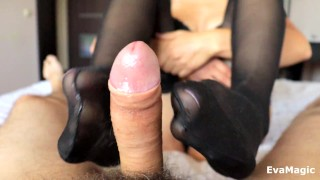 STEP SIS GIVES FOOTJOB IN SEXY BLACK STOCKINGS - CUM ON FEET