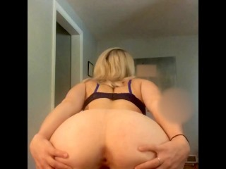 Sexy Teen Shows off her body and touches herself