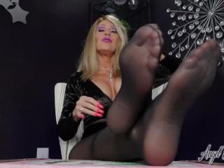 Boss Feet Demand Total Submission – Nikki Ashton