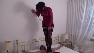 jeanette trample richie in stockings