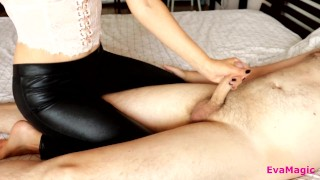 MISTRESS IN SEXY LEGGINGS DO FEMDOM HANDJOB