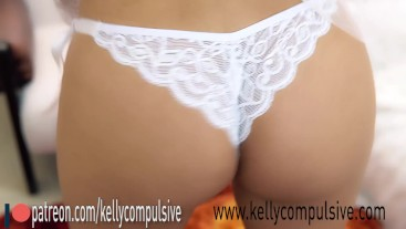 A bride and her lingerie | Kelly compulsive