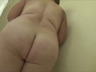 An Intimate Soapy Shower and a Bit of Pee; Frangelica No Sex