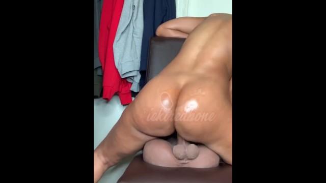 massage skinny small tits