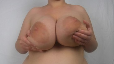 huge boobs bouncing and play