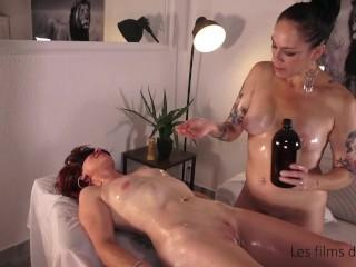 Massage lesbien avec Juliette