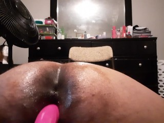 BBW LET HER TOY FUCK HER UNTIL SHE CAN'T TAKE IT CLOSE UP SHOT