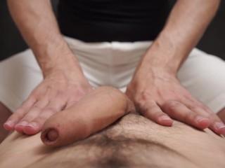 Инструкция по дрочке большого члена. Фабио доводит Криса до оргазма.