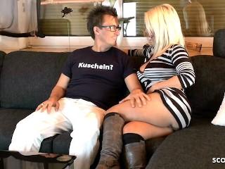 Reife Deutsche Hausfrau beim privaten Sextreffen mit Conny Dachs