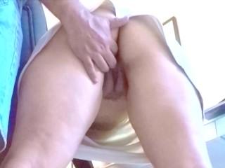 Amateur chubby MILF in Miniskirt NO panties been fingering