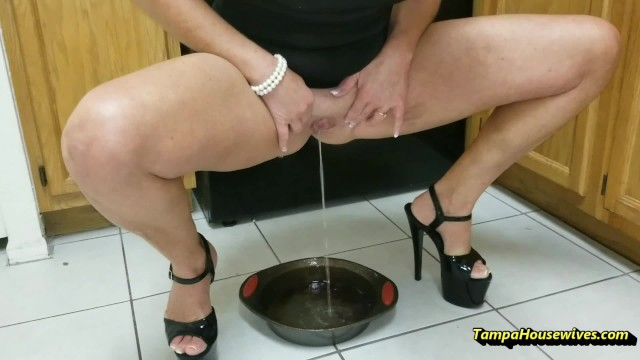 Sexy Housewife Who Loves to Pee Anywhere