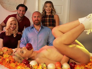 """Step Sis """"She can totally show you how to stuff her turkey"""" S15:E5"""