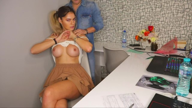I don't like to wear panties at the office (roleplay) - Nextdoornurs3