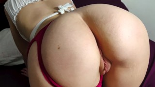 She Cums So Many Times ! Shaking Her Ass On a Cock
