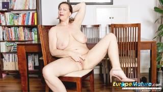 EuropeMaturE Jayne Striptease and Fingering