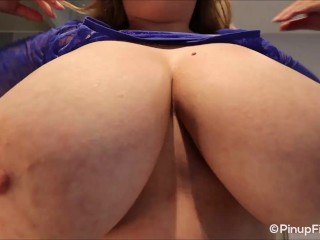 Sara Willis shows off her mammoth breasts on webcam