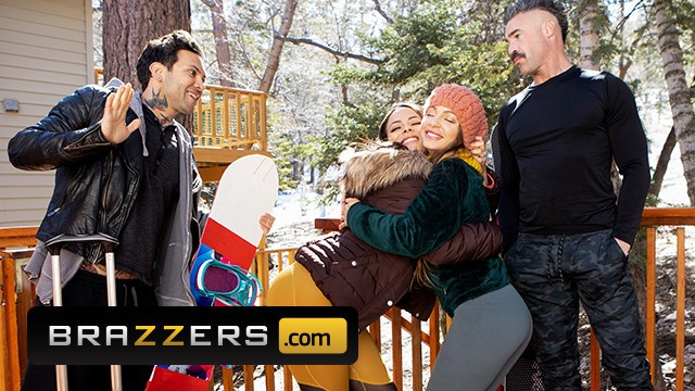 Brazzers - Busty Babe Abigail Mac Fucked Hard By Small Hands In The Snow