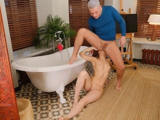 RIM4K. Guy joins sweet GF in bathroom in time for sex full of rimming