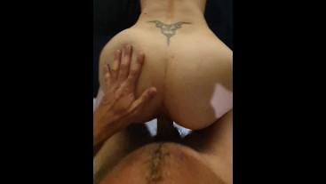 POV SQUIRTING PAWG MILF Doggystyle QUICK HARD FUCK on The Bed...Doggystlye SQUIRTING BIG ASS PAWG ..