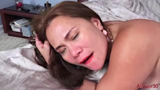 Exotic Filipina MILF Kim Kreme Morning Sex In Bed