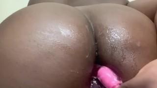 Big Ass Ebony Gives Herself an Anal Pounding