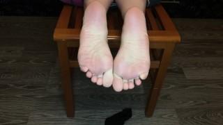 Teen show her black ped nylon socks foot fetish