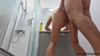 ANAL fucked by gymnast Lara Frost and cum on her feet ( skinny milf )