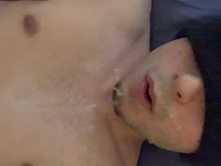 twink jerks off and cums all over his face and body