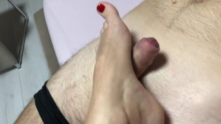 Quick handjob before going to bed - Ssexcouple