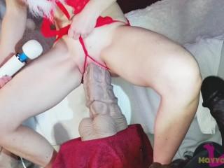 Festive Sizequeen slut fucks huge dildos. - Extreme insertions, Big loose cunt.