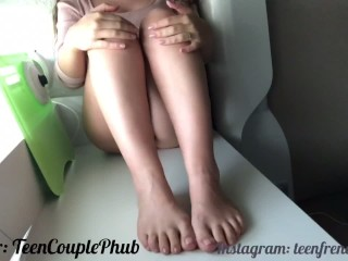 Teen Let One Of Her Fans Cum On Her Feet