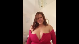 New Mal Malloy trying on red dress :) she looks huge!!