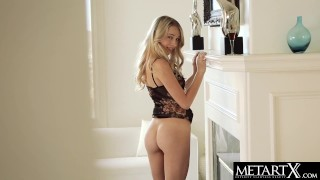Gorgeous all-American blonde goes face down ass up to masturbate