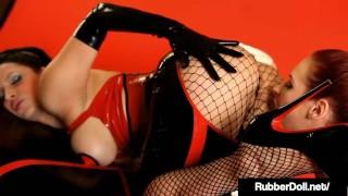 Shiny Sex Dolls RubberDoll & Chrissy Daniels Love Each Other