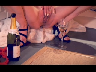 Squirt And Champagne – Fingering Pussy Masturbation, My Way To Spend New Year's Eve